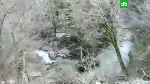 БТР с российскими военными упал в ущелье в Абхазии: трое погибших.Абхазия, Минобороны РФ, смерть, армия и флот РФ.НТВ.Ru: новости, видео, программы телеканала НТВ