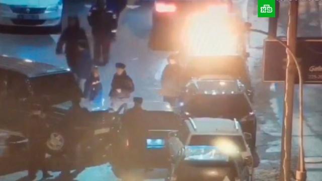 Коммерсант на Gelandewagen отбился от вымогателей в центре Москвы.Москва, нападения, стрельба, криминал.НТВ.Ru: новости, видео, программы телеканала НТВ