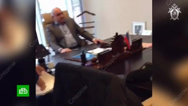 Отца сенатора Арашукова доставили всуд.Карачаево-Черкесия, Совет Федерации, аресты, суды, убийства и покушения.НТВ.Ru: новости, видео, программы телеканала НТВ