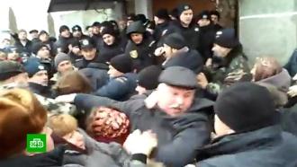 Радикалы атаковали храм УПЦ вТернопольской области