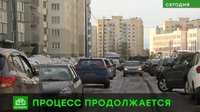 В Петербурге начали убирать самые заснеженные улицы.ЖКХ, Санкт-Петербург, снег.НТВ.Ru: новости, видео, программы телеканала НТВ