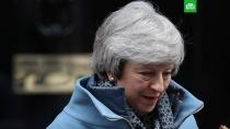 Члены британского кабмина угрожают Мэй отставками.Члены британского кабинета министров пригрозили покинуть свои посты, если премьер-министр Тереза Мэй не исключит возможность Brexit без сделки с Евросоюзом.Великобритания, Тереза Мэй, назначения и отставки.НТВ.Ru: новости, видео, программы телеканала НТВ