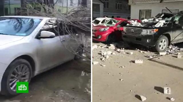 Рухнувшие балконы и поваленные деревья: в Дагестане устраняют последствия урагана.Дагестан, погода, штормы и ураганы.НТВ.Ru: новости, видео, программы телеканала НТВ