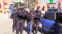 В Мадриде арестовали каннибала, убившего свою мать.Полиция Испании задержала жителя Мадрида, убившего мать и хранившего ее останки в контейнерах в холодильнике.Испания, аресты, убийства и покушения.НТВ.Ru: новости, видео, программы телеканала НТВ