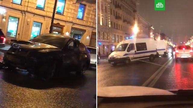 ВПетербурге автомобиль вылетел на тротуар, убив прохожих.ДТП, Санкт-Петербург, автомобили, полиция.НТВ.Ru: новости, видео, программы телеканала НТВ