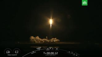 Новейший Crew Dragon сманекеном вскафандре взял курс на МКС