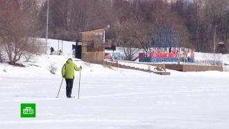 Столичные спасатели пытаются образумить выходящих на тонкий лед рыбаков испортсменов