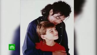 Песни Майкла Джексона начали запрещать на радио