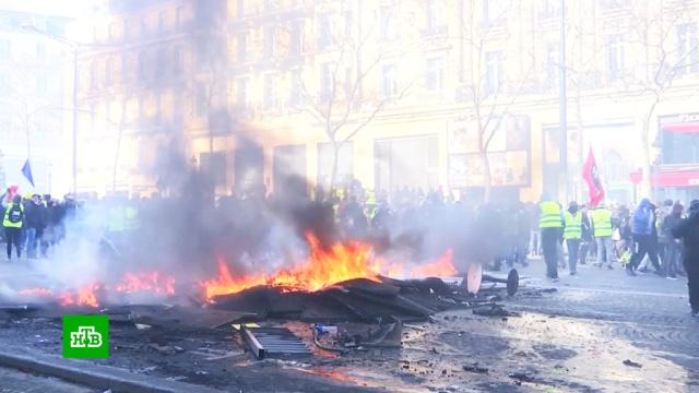 Глава французского МВД назвал парижских поджигателей «убийцами».Париж, Франция, беспорядки, митинги и протесты.НТВ.Ru: новости, видео, программы телеканала НТВ