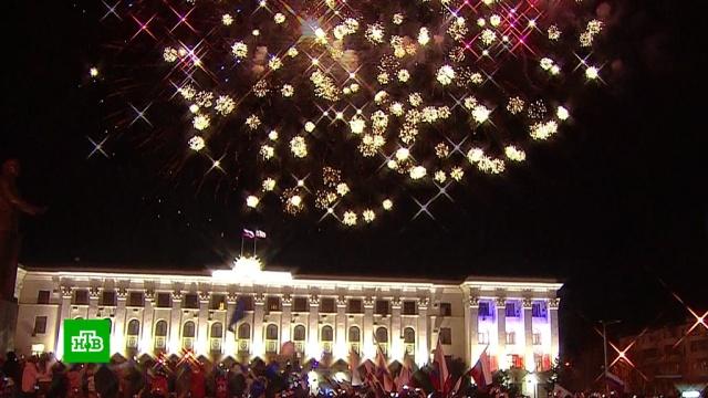 Красочный салют вКрыму завершил празднование юбилея.Крым, Севастополь, торжества и праздники.НТВ.Ru: новости, видео, программы телеканала НТВ