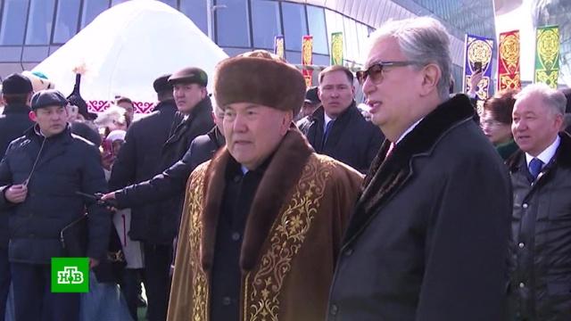 Назарбаев и Токаев вместе вышли в народ.Казахстан, Назарбаев, торжества и праздники.НТВ.Ru: новости, видео, программы телеканала НТВ