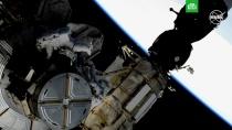 Астронавты NASA вышли в космос и установили новые аккумуляторы на МКС.Американские астронавты вышли в открытый космос, чтобы установить на поверхности Международной космической станции новые аккумуляторы. Операция продолжалась несколько часов.МКС, НАСА, космос.НТВ.Ru: новости, видео, программы телеканала НТВ