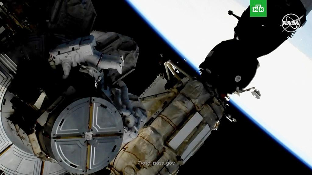 Астронавты NASA вышли в космос и установили новые аккумуляторы на МКС.МКС, НАСА, космос.НТВ.Ru: новости, видео, программы телеканала НТВ