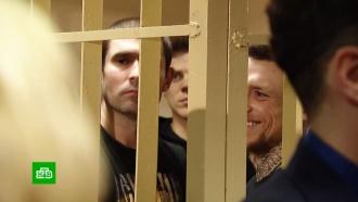 Кокорина иМамаева привезли всуд свещами