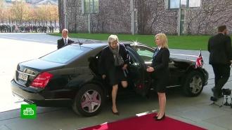 Переговоры Мэй и Меркель об отсрочке Brexit начались с конфуза