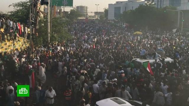 СМИ сообщают овоенном перевороте вСудане.Судан, армии мира, перевороты.НТВ.Ru: новости, видео, программы телеканала НТВ