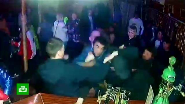 Не поделили танцпол: отдыхающие подрались в ночном клубе под Костромой.Костромская область, драки и избиения, рестораны и кафе.НТВ.Ru: новости, видео, программы телеканала НТВ