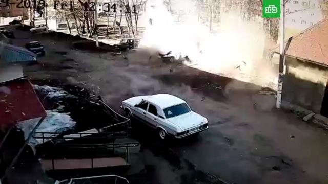 Автомобиль вместе с водителем взорвался в Нижнекамске.Татарстан, автомобили, взрывы.НТВ.Ru: новости, видео, программы телеканала НТВ