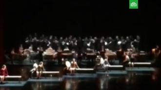 В театре Станиславского рухнул помост с хором