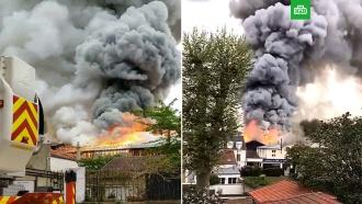 Во Франции вспыхнули гаражи Версаля