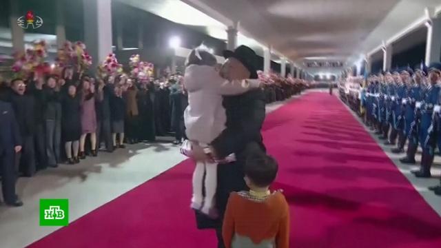 Северная Корея возликовала после переговоров Ким Чен Ына сПутиным.Владивосток, Ким Чен Ын, Путин, Северная Корея, визиты.НТВ.Ru: новости, видео, программы телеканала НТВ