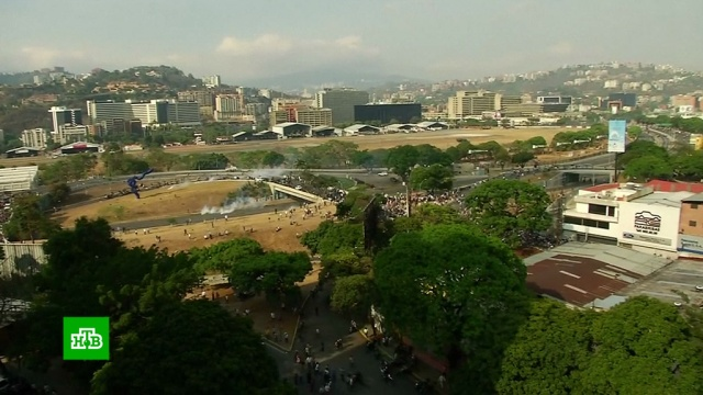 В Венесуэле вспыхнула перестрелка между мятежниками и силовиками.беспорядки, Венесуэла, военные испытания, митинги и протесты, перевороты.НТВ.Ru: новости, видео, программы телеканала НТВ
