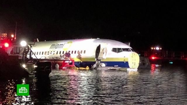 Boeing с 136 пассажирами упал в реку.США, авиационные катастрофы и происшествия, авиация, самолеты.НТВ.Ru: новости, видео, программы телеканала НТВ