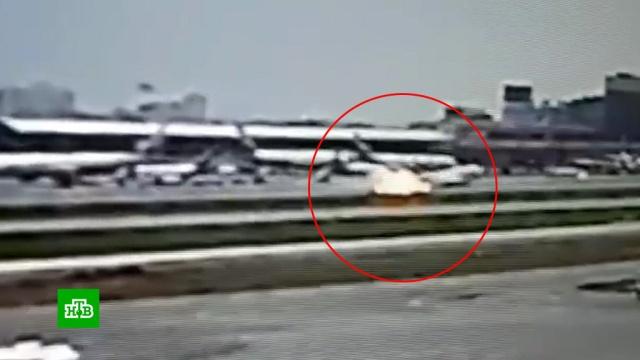 """«Это называется """"козел""""»: причина катастрофической посадки SSJ-100.авиационные катастрофы и происшествия, аэропорт Шереметьево, Аэрофлот, пожары.НТВ.Ru: новости, видео, программы телеканала НТВ"""
