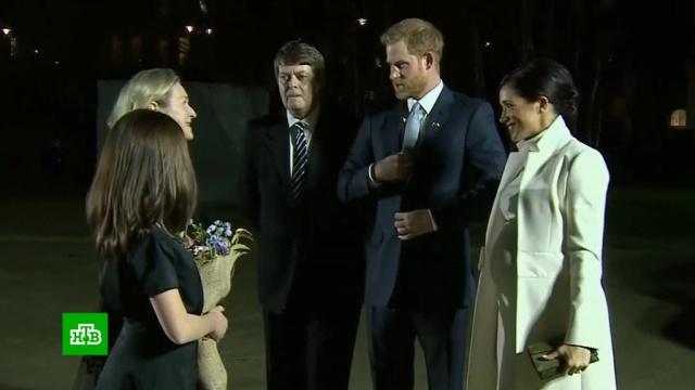 Меган Маркл прячет первенца от публики.Великобритания, Елизавета II, беременность и роды, дети и подростки, монархи и августейшие особы, принц Гарри.НТВ.Ru: новости, видео, программы телеканала НТВ