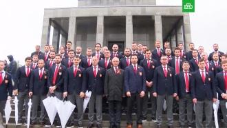 Российские хоккеисты почтили память освобождавших Словакию солдат