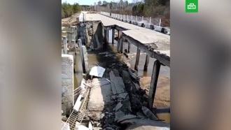 В Амурской области обрушился автомобильный мост через реку