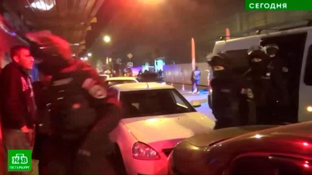 Полиция пришла с рейдом на самую злачную улицу Петербурга.Санкт-Петербург, полиция.НТВ.Ru: новости, видео, программы телеканала НТВ