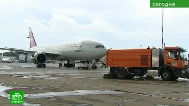 ВПулково начинают утилизировать опасные стоки от самолетов по-новому.ЖКХ, Пулково, Санкт-Петербург, аэропорты, экология.НТВ.Ru: новости, видео, программы телеканала НТВ