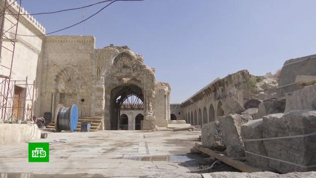 В Алеппо восстанавливают разрушенную во время боев древнюю мечеть.Сирия, войны и вооруженные конфликты, памятники, реконструкция и реставрация, религия.НТВ.Ru: новости, видео, программы телеканала НТВ
