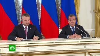 Медведев назвал условие продления договора отранзите газа через Украину