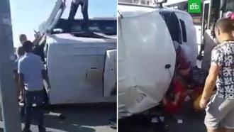 Очевидцы вытаскивали пострадавших встолкновении автобусов вСочи