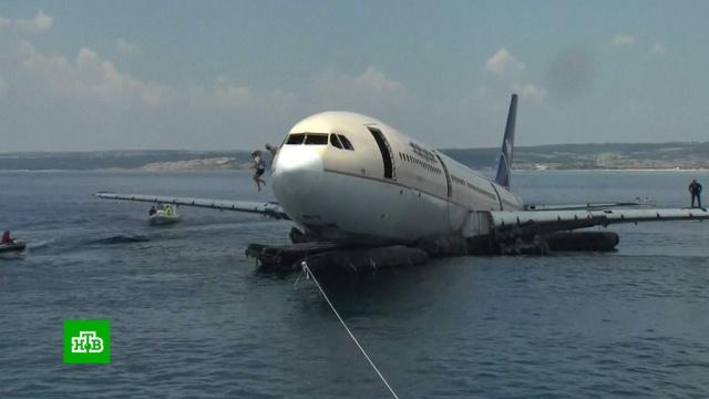 ВЭгейском море ради дайверов затопили Airbus A-330.Турция, дайвинг, море, самолеты.НТВ.Ru: новости, видео, программы телеканала НТВ