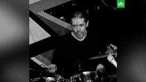 Умер музыкант группы «Машина времени».Сегодня не стало барабанщика Сергея Остроумова, который выступал в составе рок-группы «Машина времени».артисты, знаменитости, музыка и музыканты, смерть.НТВ.Ru: новости, видео, программы телеканала НТВ
