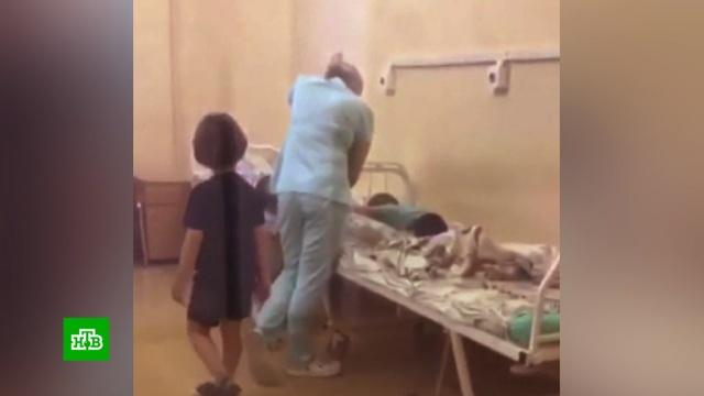Издевавшуюся над ребенком в больнице студентку медколледжа отстранили от работы.Москва, дети и подростки, жестокость, издевательства.НТВ.Ru: новости, видео, программы телеканала НТВ