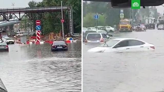 Дождь затопил дорогу к аэропорту Шереметьево.Москва, аэропорт Шереметьево, погода.НТВ.Ru: новости, видео, программы телеканала НТВ