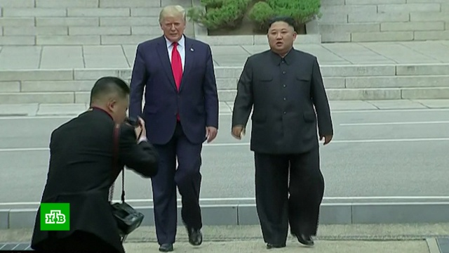 Первый вистории: Трамп по приглашению Ким Чен Ына прошел на территорию КНДР.Ким Чен Ын, США, Северная Корея, Трамп Дональд, Южная Корея.НТВ.Ru: новости, видео, программы телеканала НТВ