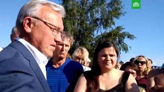 «Права хотите качнуть?»: красноярский губернатор пообщался спострадавшими от наводнения вКанске