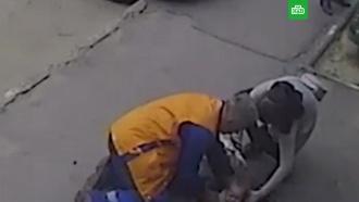 Опубликовано видео падения ребенка в коллектор в Чебоксарах