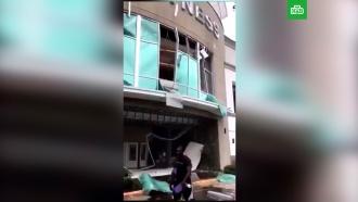 Мощный взрыв прогремел вторговом центре во Флориде