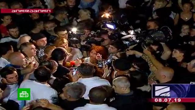 Грузинский телеканал остановил вещание после ругани вадрес руководства РФ.Грузия, СМИ, журналистика, оскорбления, телевидение, Госдума, алкоголь, напитки.НТВ.Ru: новости, видео, программы телеканала НТВ