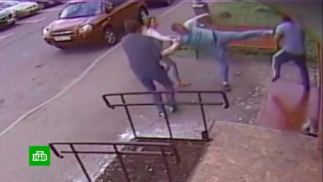 Пьяный полицейский избил дворника вМоскве.Москва, драки и избиения, полиция, пьяные.НТВ.Ru: новости, видео, программы телеканала НТВ