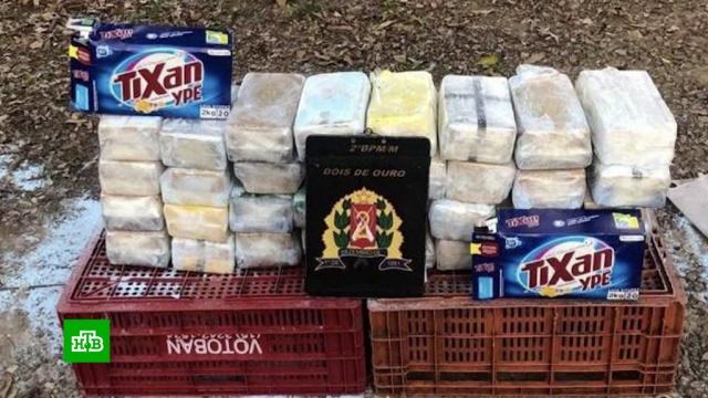 В Бразилии супермаркет продавал кокаин вместо стирального порошка.Жители бразильского города Сан-Паулу случайно раскрыли сеть наркоторговцев. Покупатели обычного супермаркета обнаружили кокаин в стиральном порошке. .Бразилия, наркотики и наркомания.НТВ.Ru: новости, видео, программы телеканала НТВ