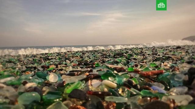 Туристы из Китая уничтожают уникальный пляж во Владивостоке.Уникальный пляж в Стеклянной бухте во Владивостоке погибает из-за нашествия китайских туристов.Владивосток, Китай, туризм.НТВ.Ru: новости, видео, программы телеканала НТВ