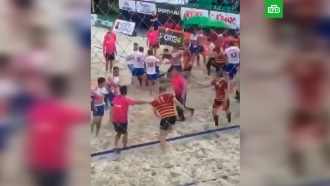 Спортсмены подрались на чемпионате по пляжному регби в Москве