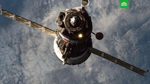 Стыковку «Союза» с МКС сняли на видео с Земли.Британский астроном снял с Земли прибытие космического корабля «Союз МС-13» к МКС.МКС, астрономия, космос.НТВ.Ru: новости, видео, программы телеканала НТВ